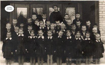 Rūjienas vidusskolas skolēni 1964.gadā - Foto №413