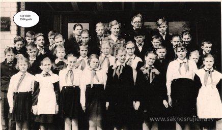 Rūjienas vidusskolas skolēni 1964.gadā - Foto №421