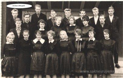 Rūjienas vidusskolas skolēni 1964.gadā - Foto №430