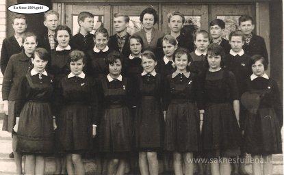 Rūjienas vidusskolas skolēni 1964.gadā - Foto №426