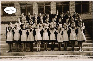 Rūjienas vidusskolas skolēni 1964.gadā - Foto №423