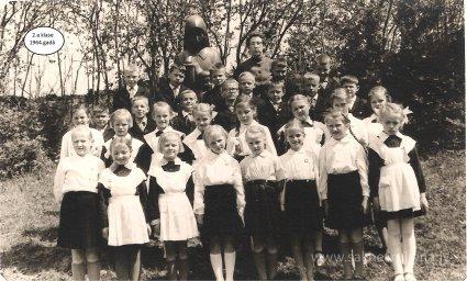 Rūjienas vidusskolas skolēni 1964.gadā - Foto №414