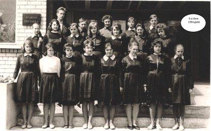 Rūjienas vidusskolas skolēni 1964.gadā - Foto №428