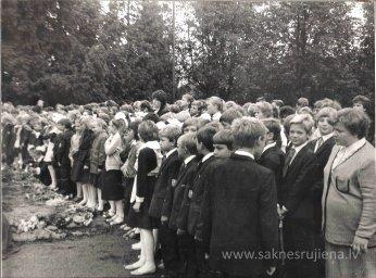 Pēdējais 1.septembris pie Ļeņina pieminekļa. - Foto №351