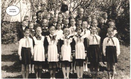 Rūjienas vidusskolas skolēni 1964.gadā - Foto №418