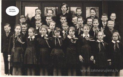 Rūjienas vidusskolas skolēni 1964.gadā - Foto №419
