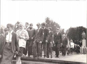 Pēdējais 1.septembris pie Ļeņina pieminekļa. - Foto №369