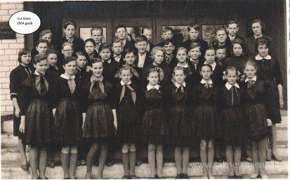 Rūjienas vidusskolas skolēni 1964.gadā - Foto №422